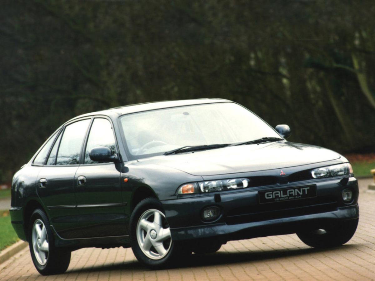Mitsubishi Galant VII Hatchback 2.5 V6 24 4x4 (E88A) (170 Hp) Photo Gallery